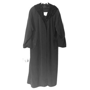 Black Trench Coat Velvet Hood Sz 20 Plus size